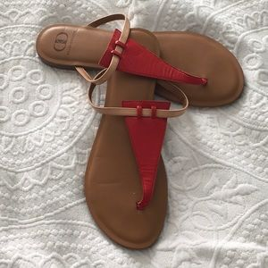 Red and tan patent leather thong sandal